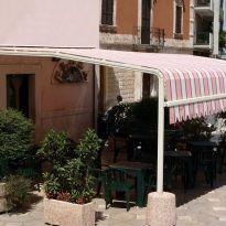 Tenda da sole robusta per ristorante e terrazze online su misura