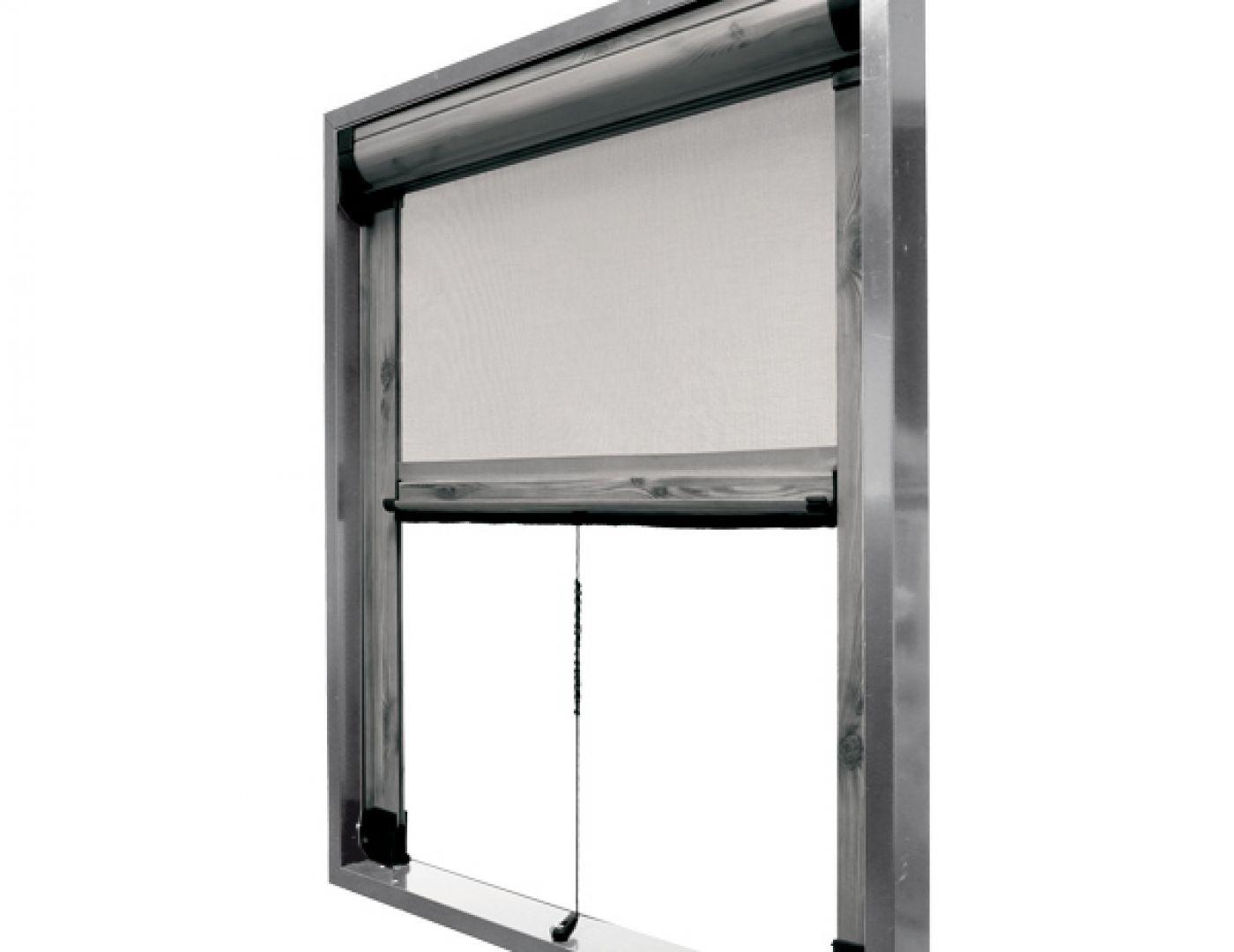 Zanzariera modello rica a scorrimento verticale cambio for Finestra scorrevole verticale